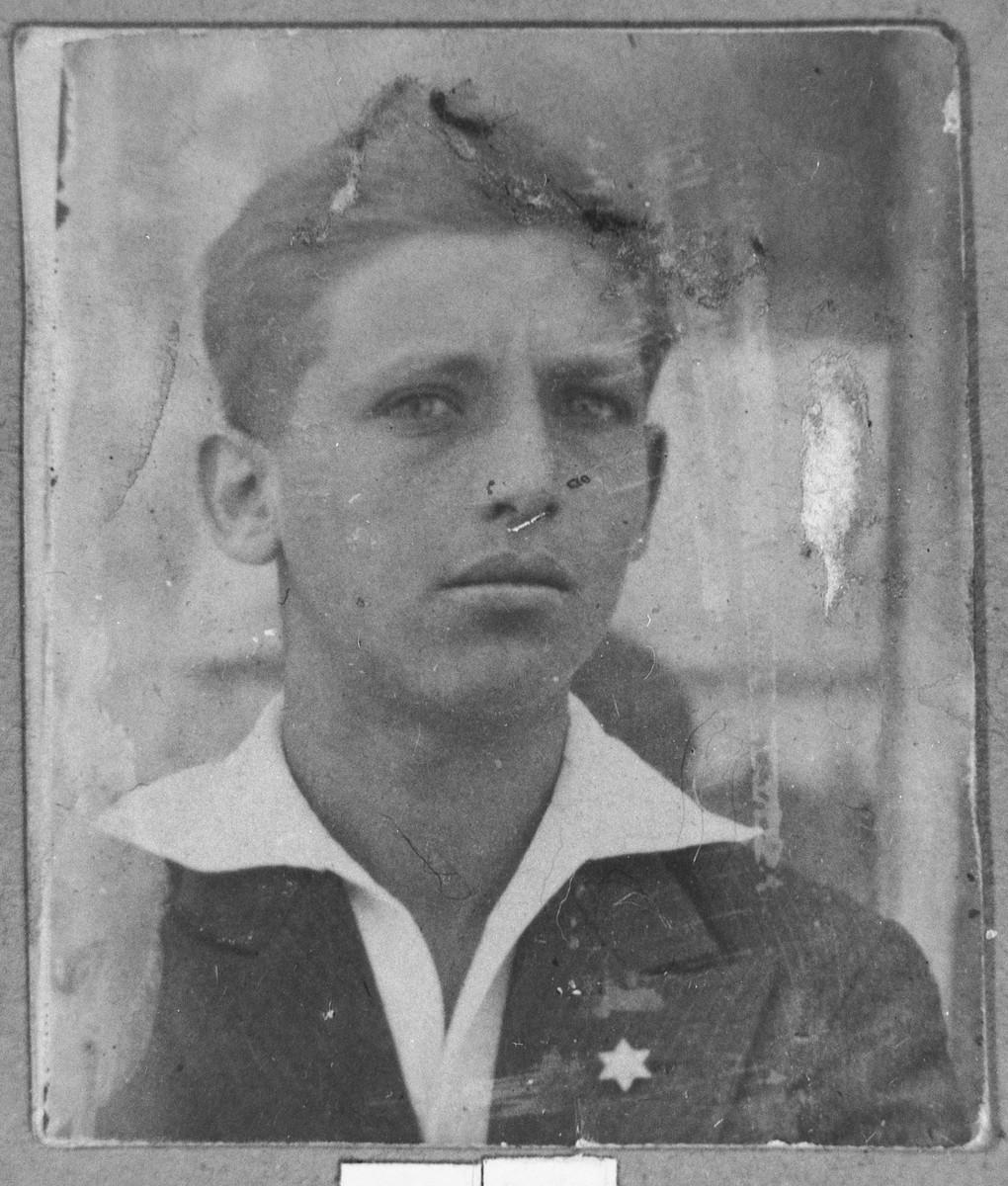 Portrait of Jak Albenda.  He was a glazier.  He lived at Sremska 12 in Bitola.