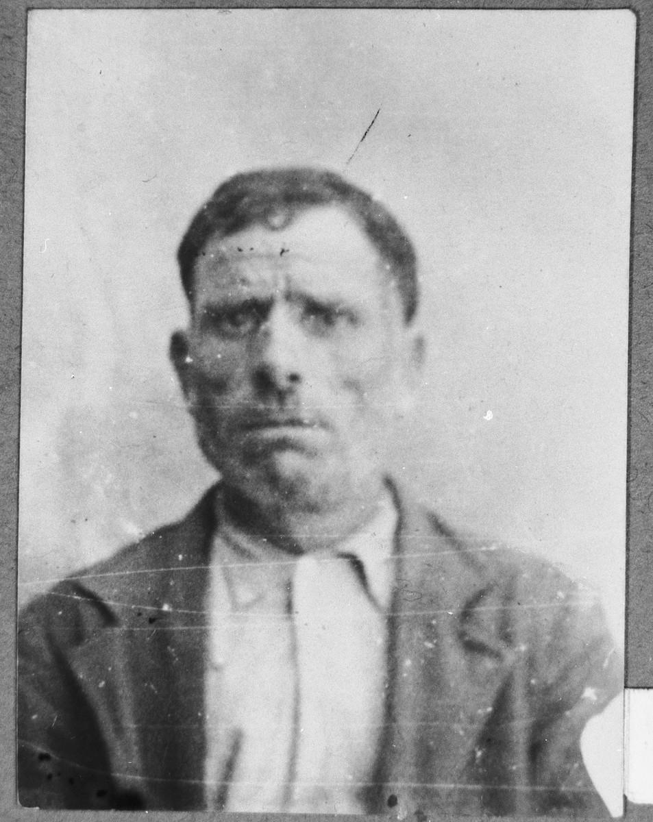 Portrait of unidentified man.