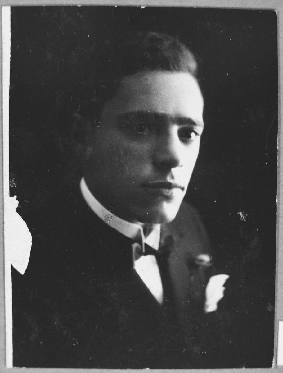 Portrait of Mair Alkuser.  He was a tailor.  He lived at Dalmatinska 72 in Bitola.