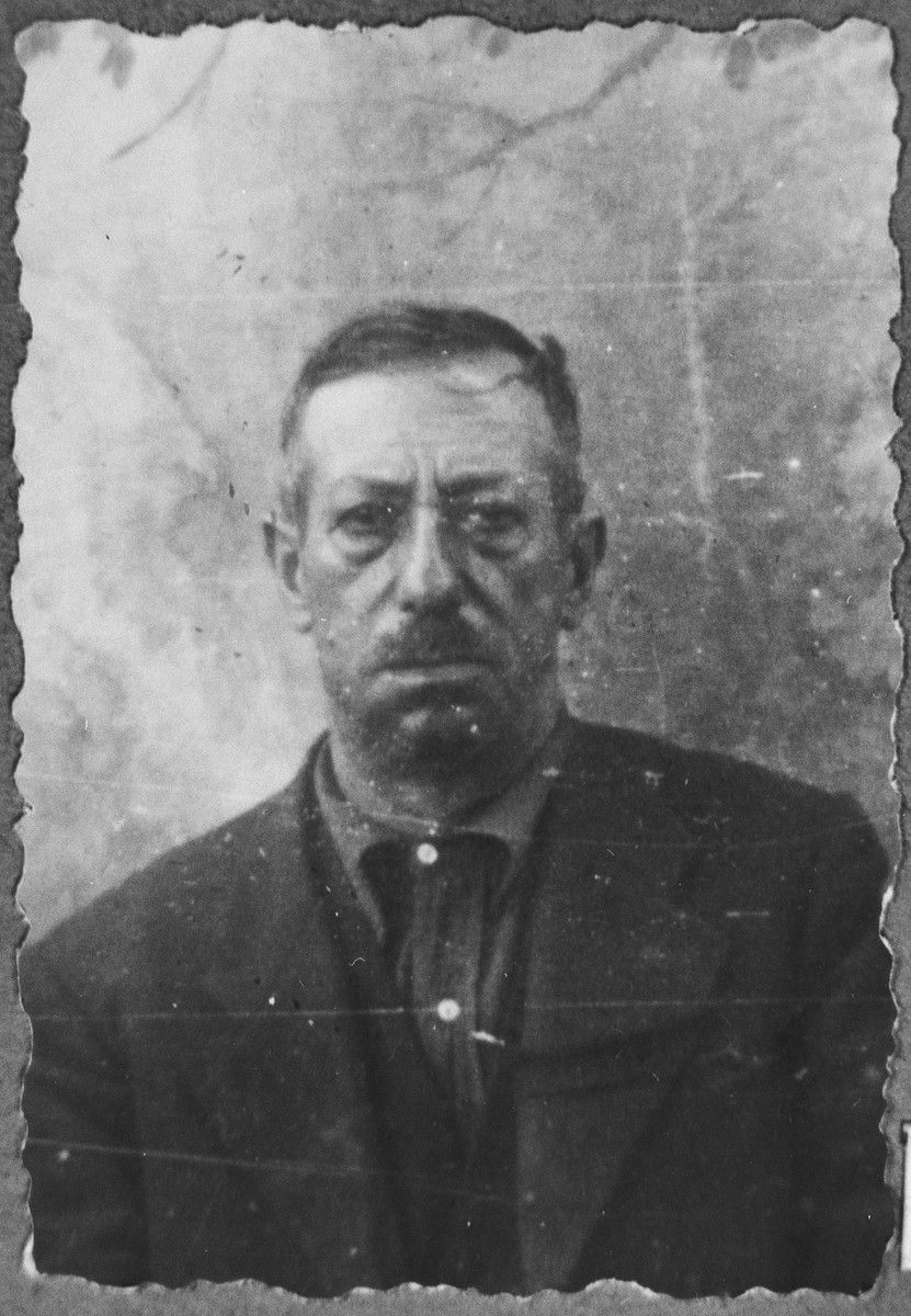 Portrait of Yakov Aroesti, son of Aron Aroesti.  He was a fruit merchant.  He lived at Putnika 132 in Bitola.