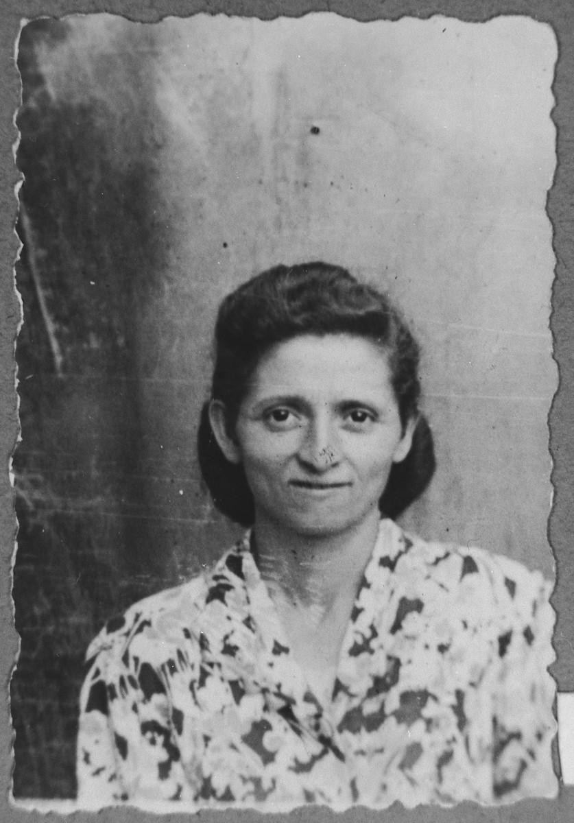 Portrait of Mathilda Aroesti, wife of Mois Aroesti.  She lived at Ferizovatska 26 in Bitola.