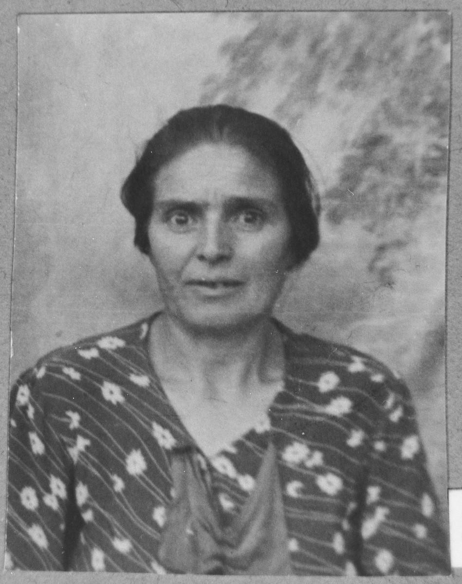 Portrait of Ester Alba.  She lived at Sinagogina 12 in Bitola.