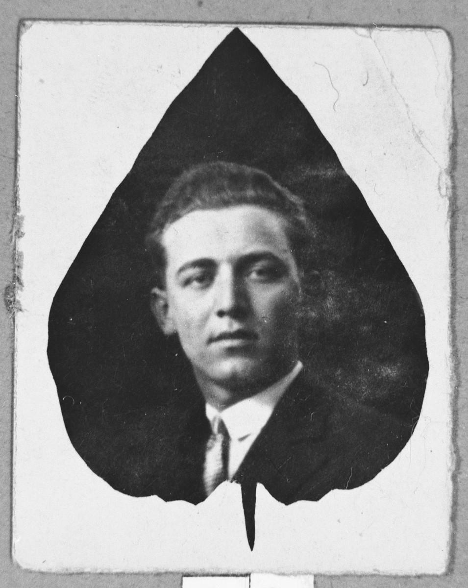 Portrait of Pinchas Albenda.  He was a glazier.  He lived on Sremska in Bitola.