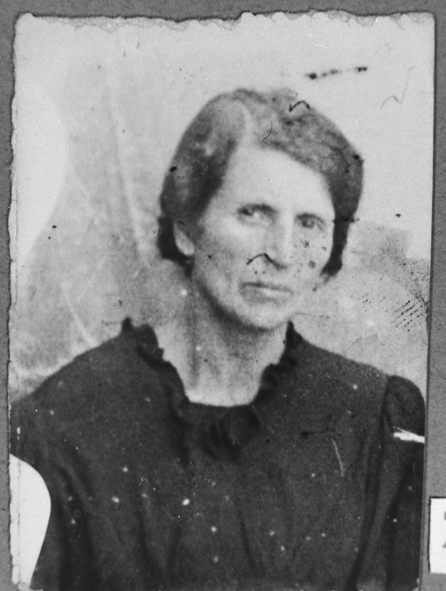 Portrait of Arnesta Albachari, wife of Dan Albachari.  She lived at Putnika 135 in Bitola.