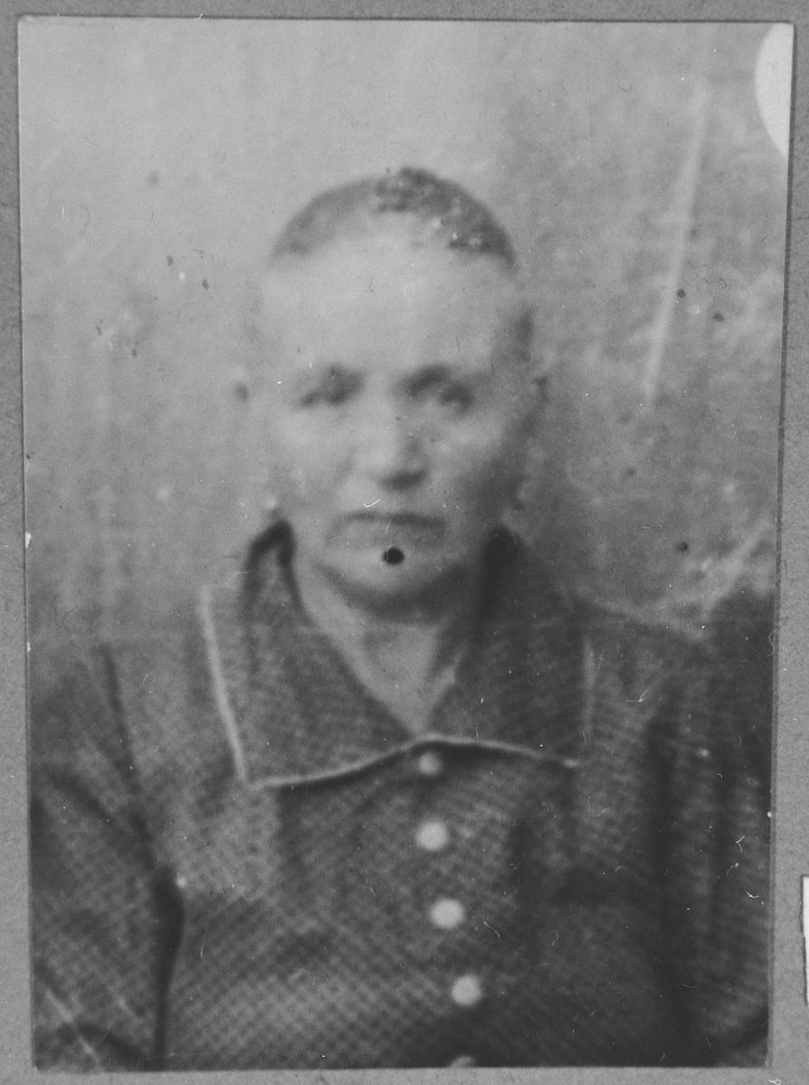 Portrait of Rahel Alba, wife of Yakov Alba.  She lived at Herzegowatschka 27 in Bitola.