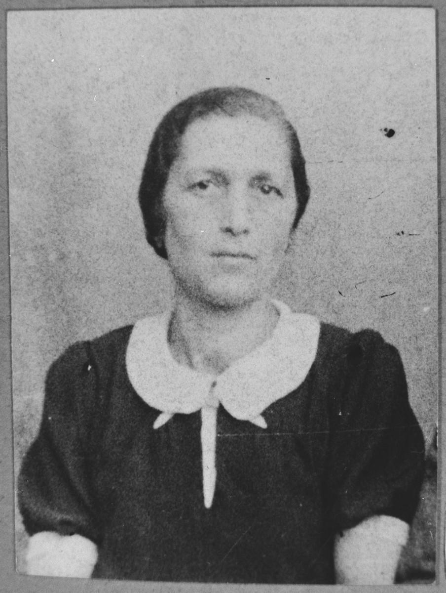 Portrait of Rahel Aroesti, wife of Yosef Aroesti.  She lived at Ferizovatska 24a in Bitola.