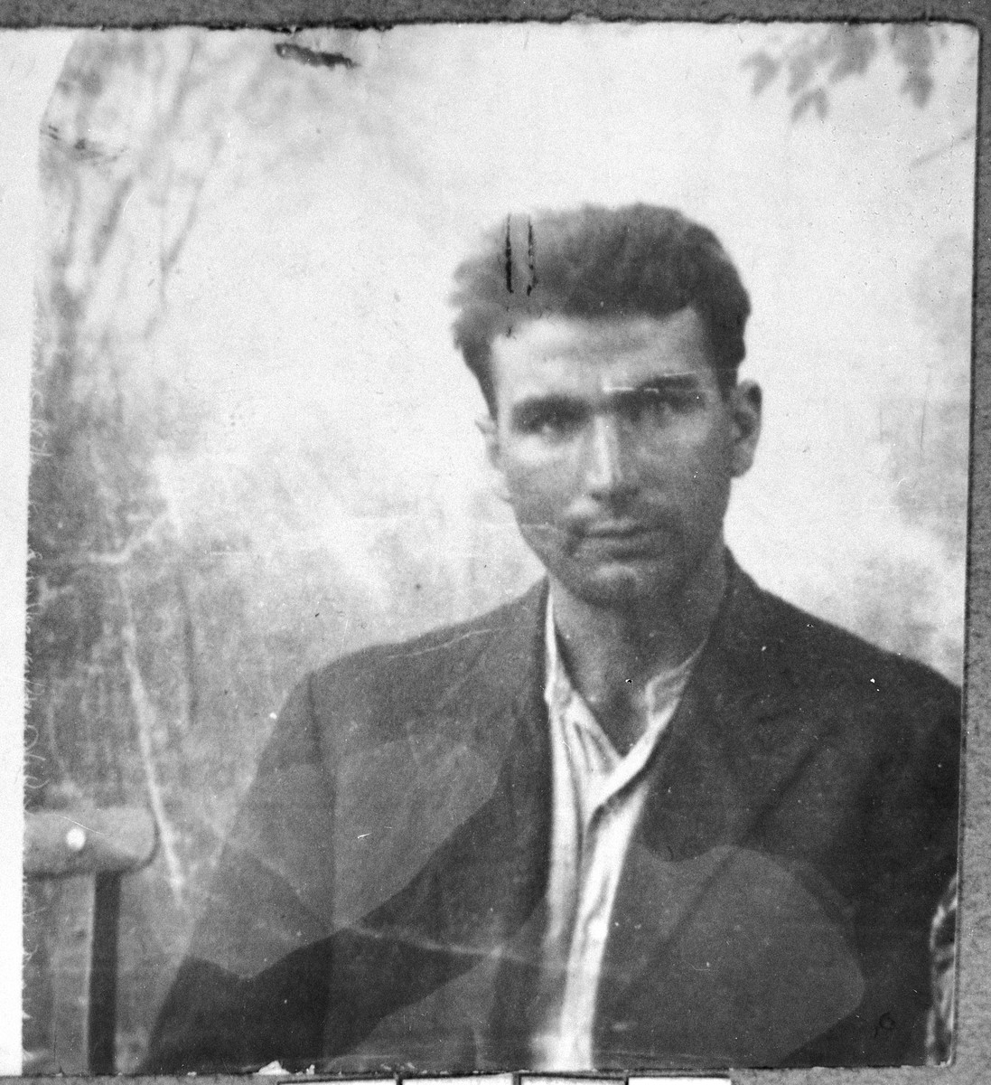Portrait of Solomon Hasson, son of Yakov Hasson.  He was a sackmaker.  He lived at Davidova 4-5 in Bitola.