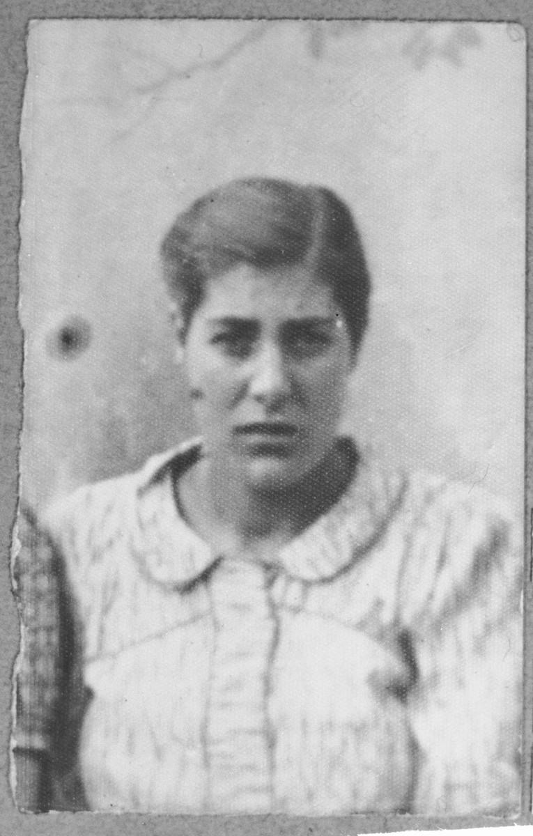 Portrait of Sara Hasson, daughter of Yakov Hasson.  She was a worker.  She lived at Skopyanska 118 in Bitola.
