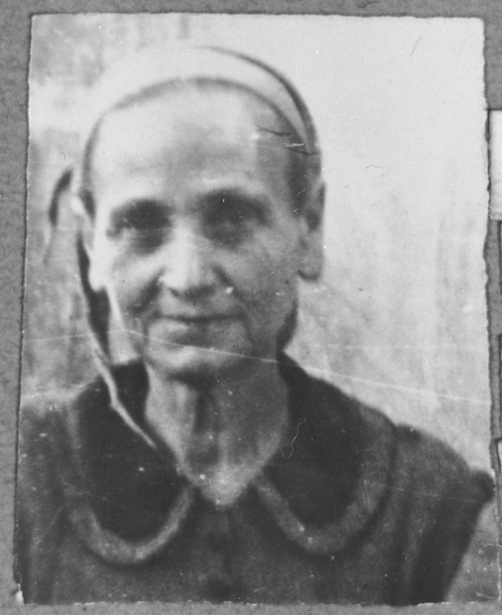 Portrait of Sara Hasson, wife of Isak Hasson.  She lived at Mitrovatska 1 in Bitola.