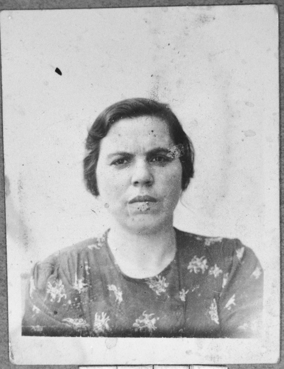 Portrait of Sara Shami (patronymic: Mushon).  She lived at Dr. Raisa 138 in Bitola.