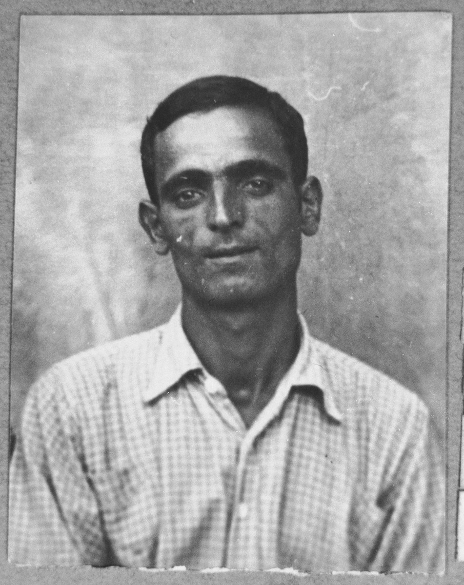 Portrait of Aron (M.) Hasson.  He was a coal dealer.  He lived at Sinagogina 2 in Bitola.