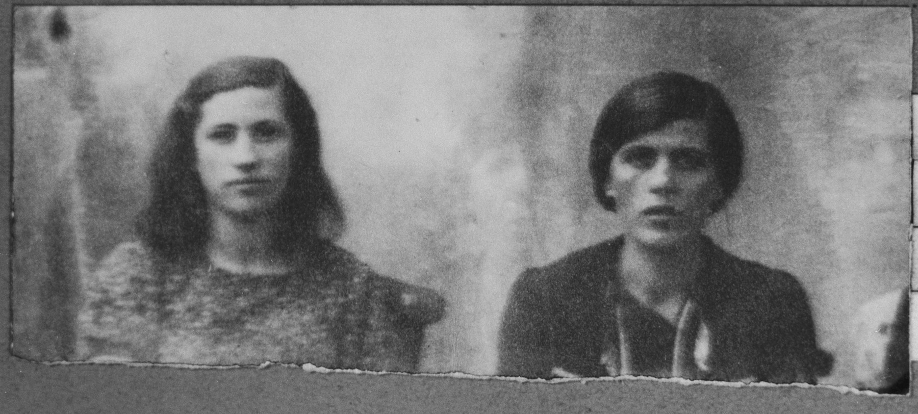 Portrait of Juli Nissan and an unidentified woman.  Juli, the daughter of Mushon Nissan, lived at Zvornitska 5 in Bitola.