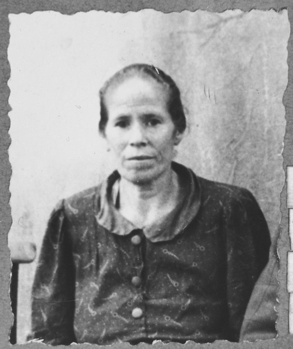 Portrait of Suncho Honen, wife of Natan.  She lived at Skopyanska 68 in Bitola.