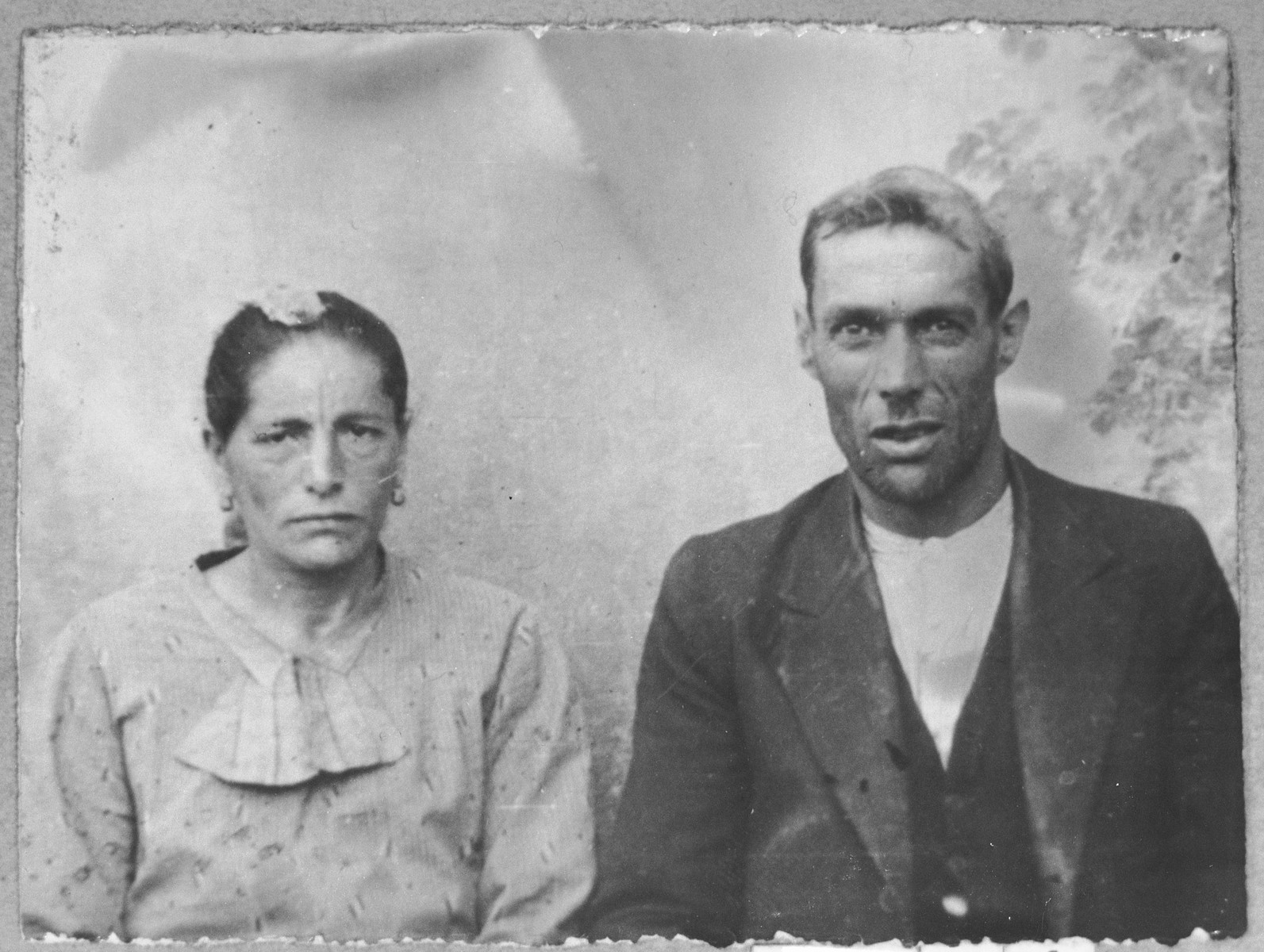 Portrait of Yakov Hasson and his wife, Palomba.  Yakov was a laborer. They lived at Skopyanska 118 in Bitola.