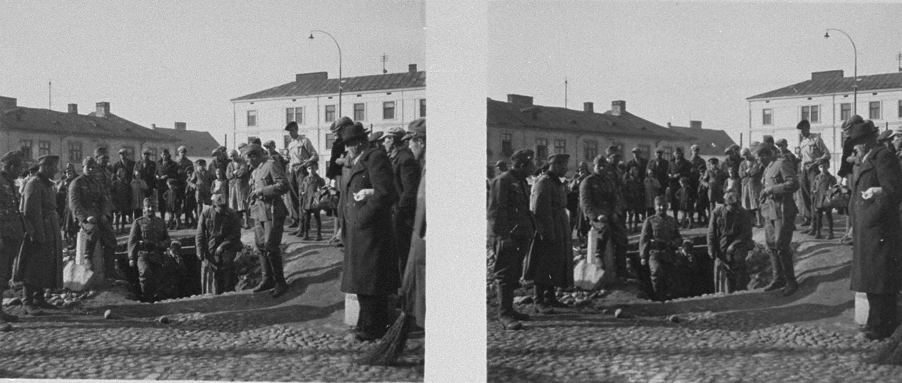 Steroscopic photogrph of German soldiers inspecting a Polish bomb shelter in Tarnow.