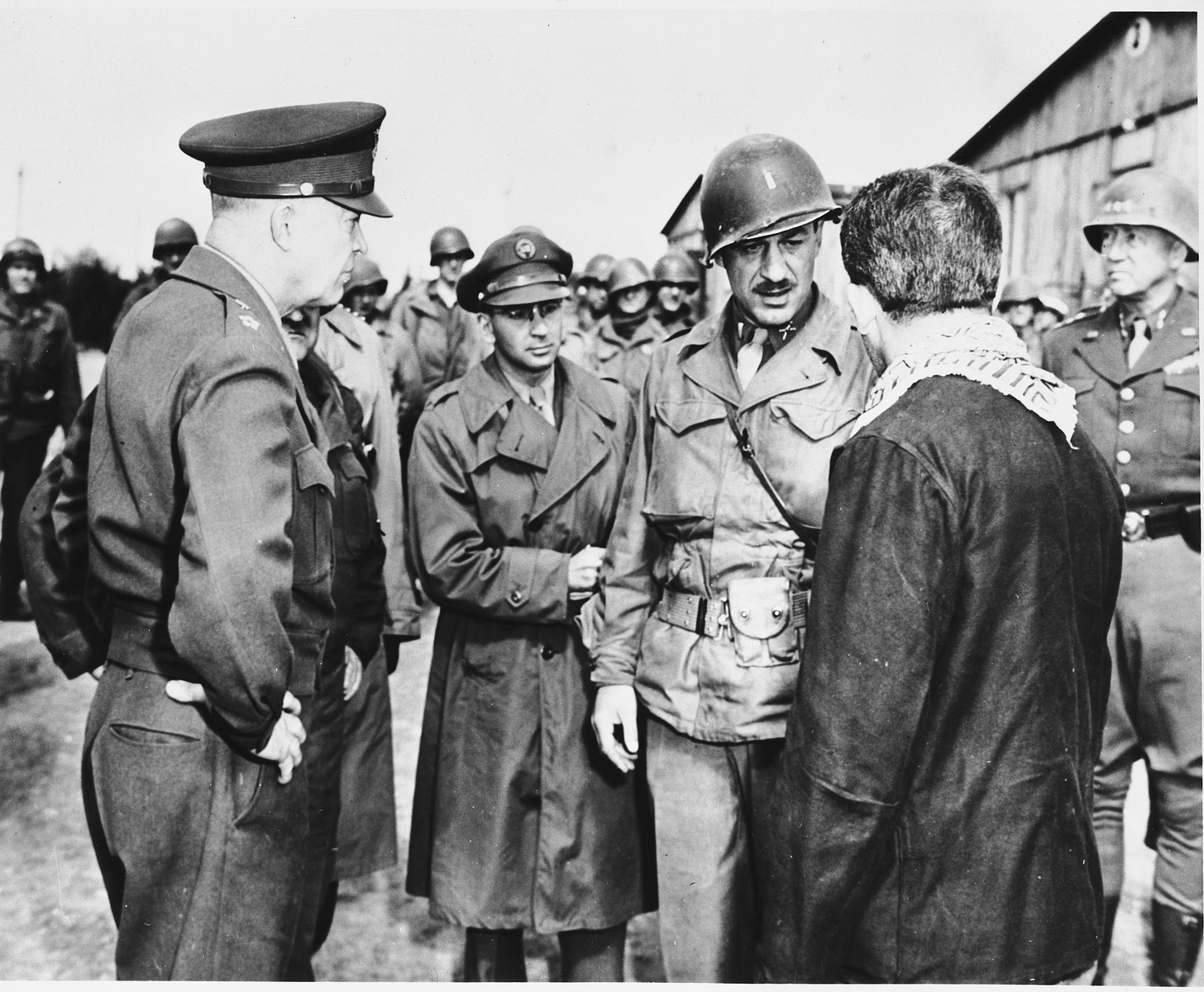 An Austrian-Jewish Survivor Talks With High-Ranking Us -3193