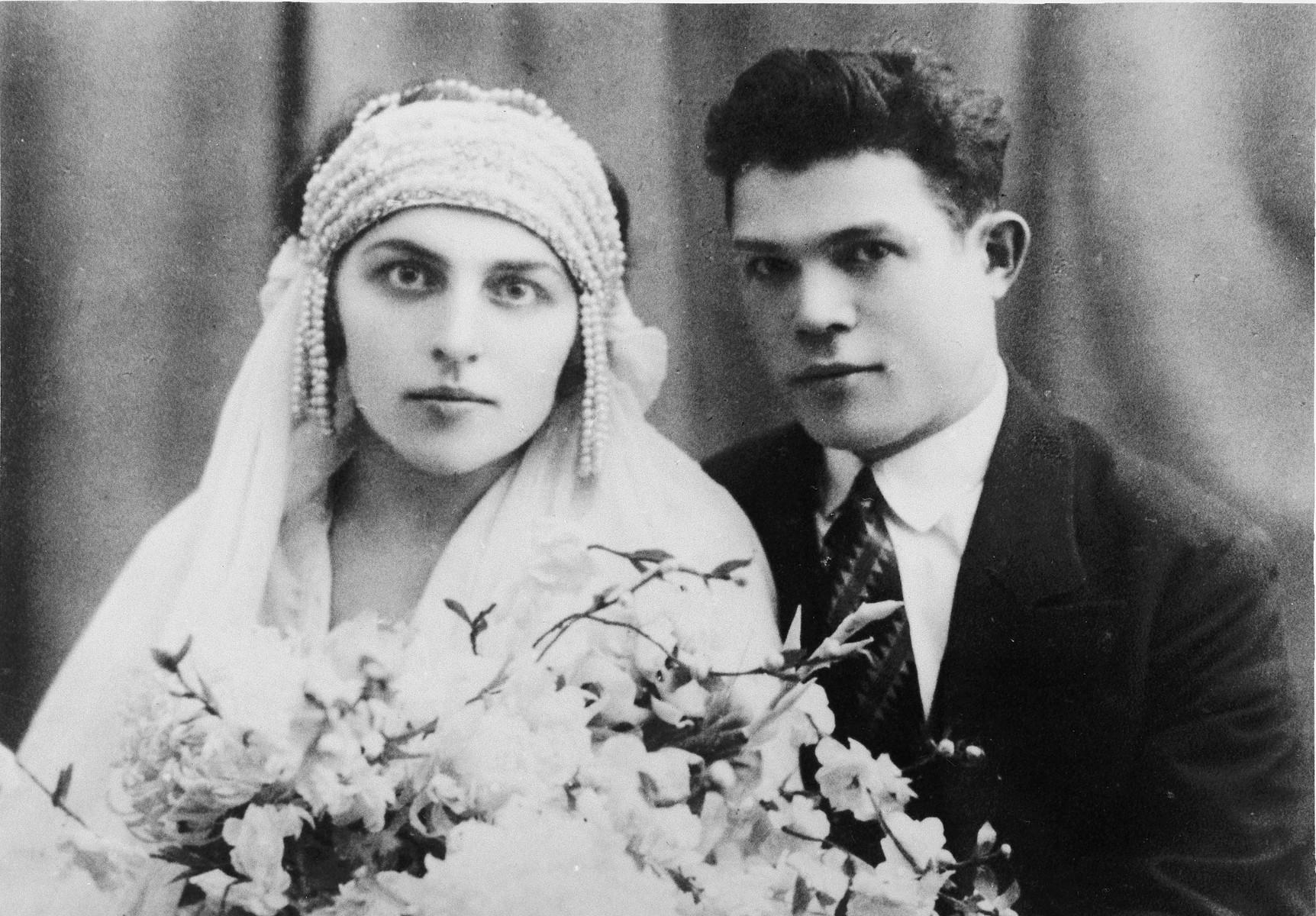 Wedding portrait of Sura Nitka and Simon Gelbart.