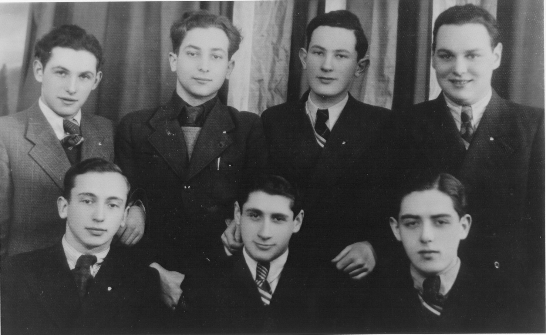 Friends from the Real Hebrew Gymnasium, the first Hebrew High School in Kovno.    Pictured are Mordecai Birger and Asher Rubin.
