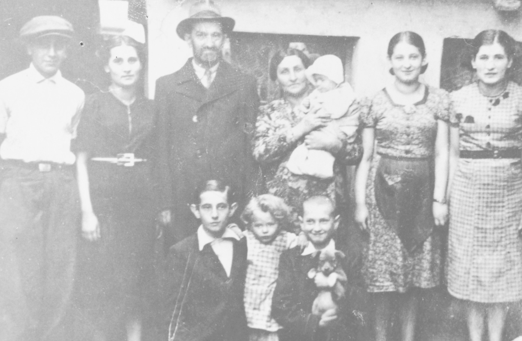 Portrait of the Helberg family in prewar Bedzin.