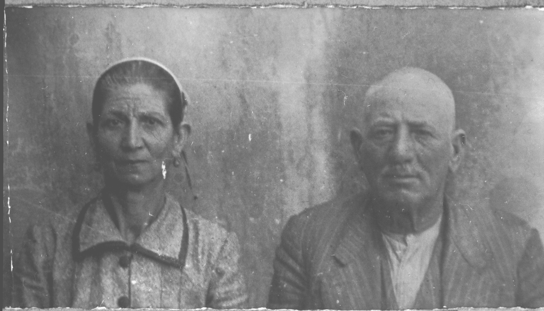 Portrait of Haim Kalderon and his wife, Bohora.  He was a salesman.  They lived at Asadbegova 2 in Bitola.