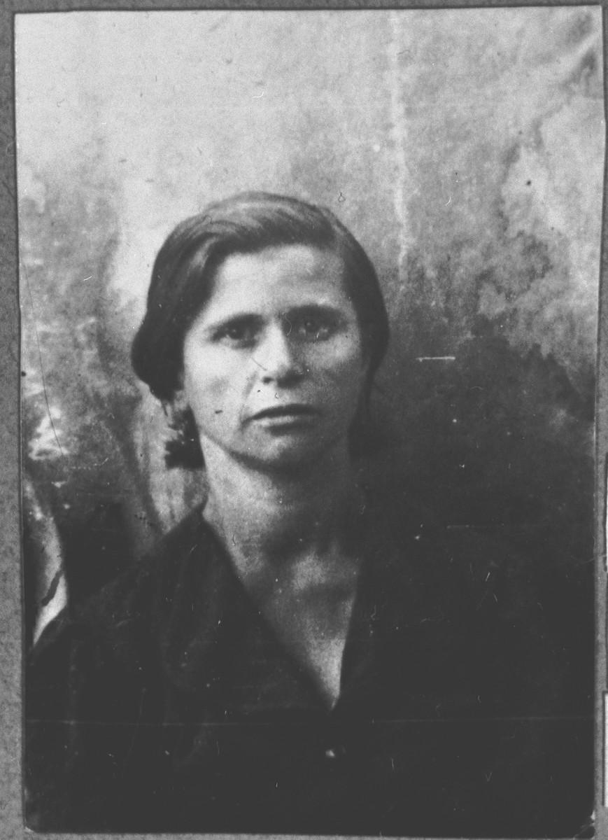 Portrait of Lunar Kamchi, wife of Avram Kamchi.  She lived at Mitrovatska 3-5.