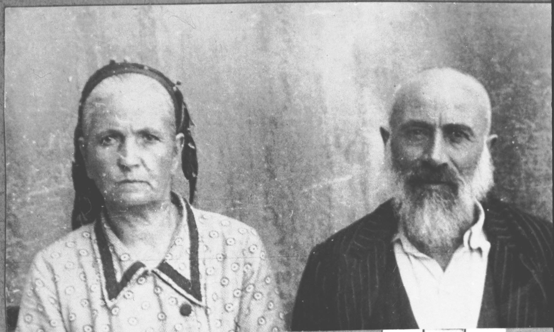 Portrait of Isak Kamchi, son of Yakov Kamchi, and Isak's wife, Sol.  Isak was a grocer.  They lived at Drinska 79 in Bitola.