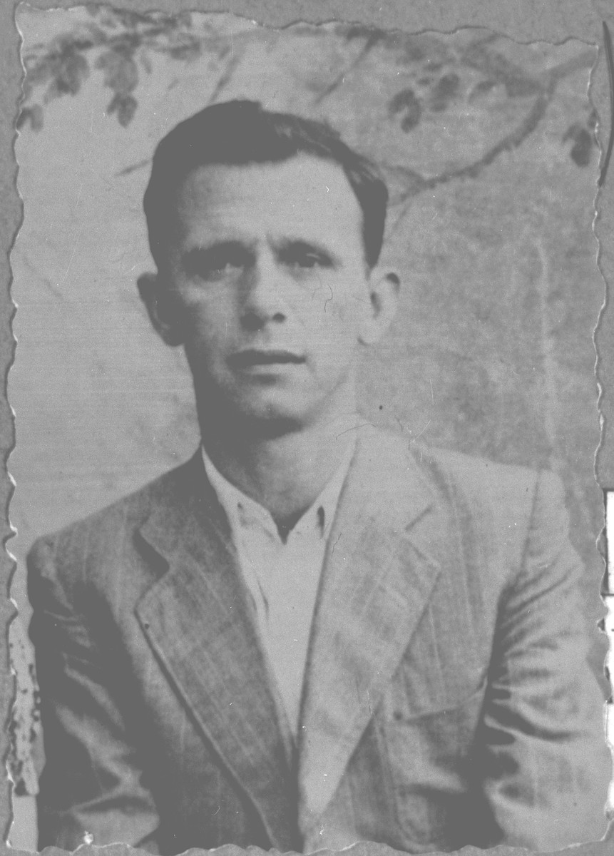 Portrait of Yosef Kamchi, son of Shabetai Kamchi.  He was a tailor.  He lived on Dedarska in Bitola.