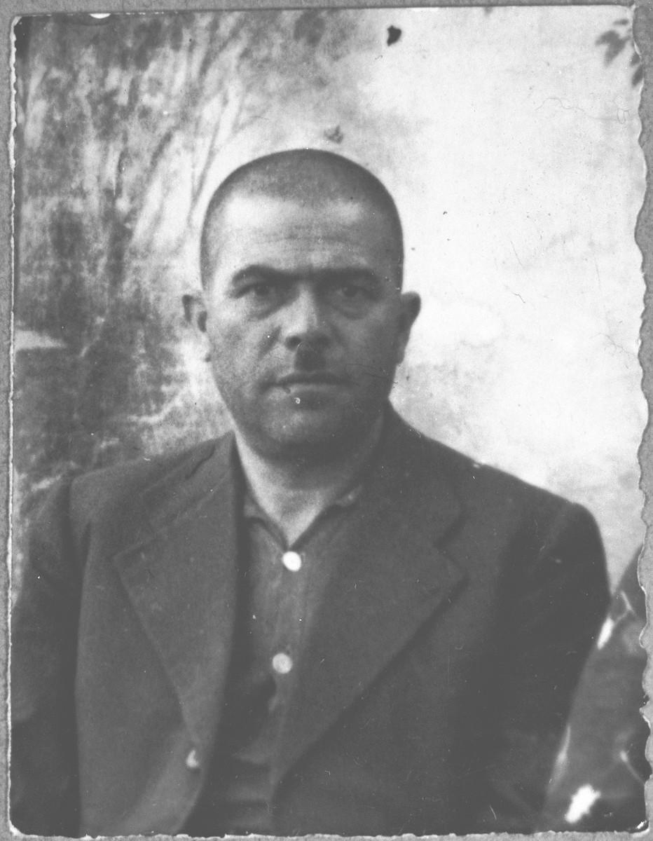 Portrait of Yakov Kamchi, son of Aron Kamchi.  He was a rag dealer.  He lived at Asadbegova 16 in Bitola.