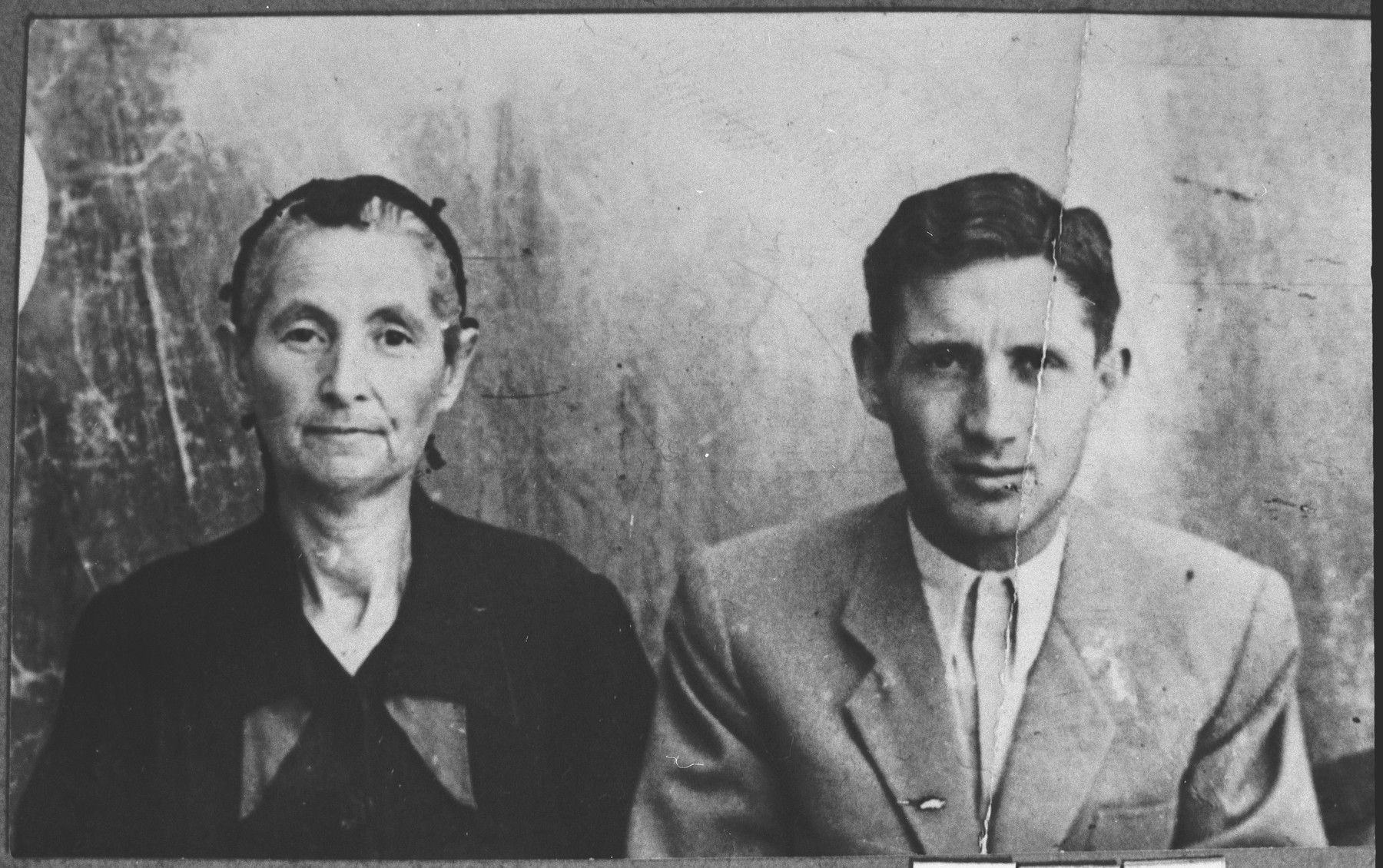 Portrait of Simaya Kalderon, son of Mois Kalderon, and his wife, Sara.  Simaya sold fancygoods.  They lived at Drinska 83 in Bitola.