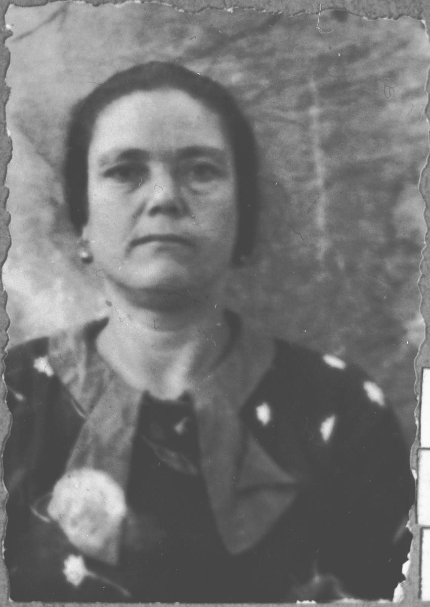 Portrait of Ester Kamchi, wife of Yakov Kamchi.  She lived at Asadbegova 16 in Bitola.