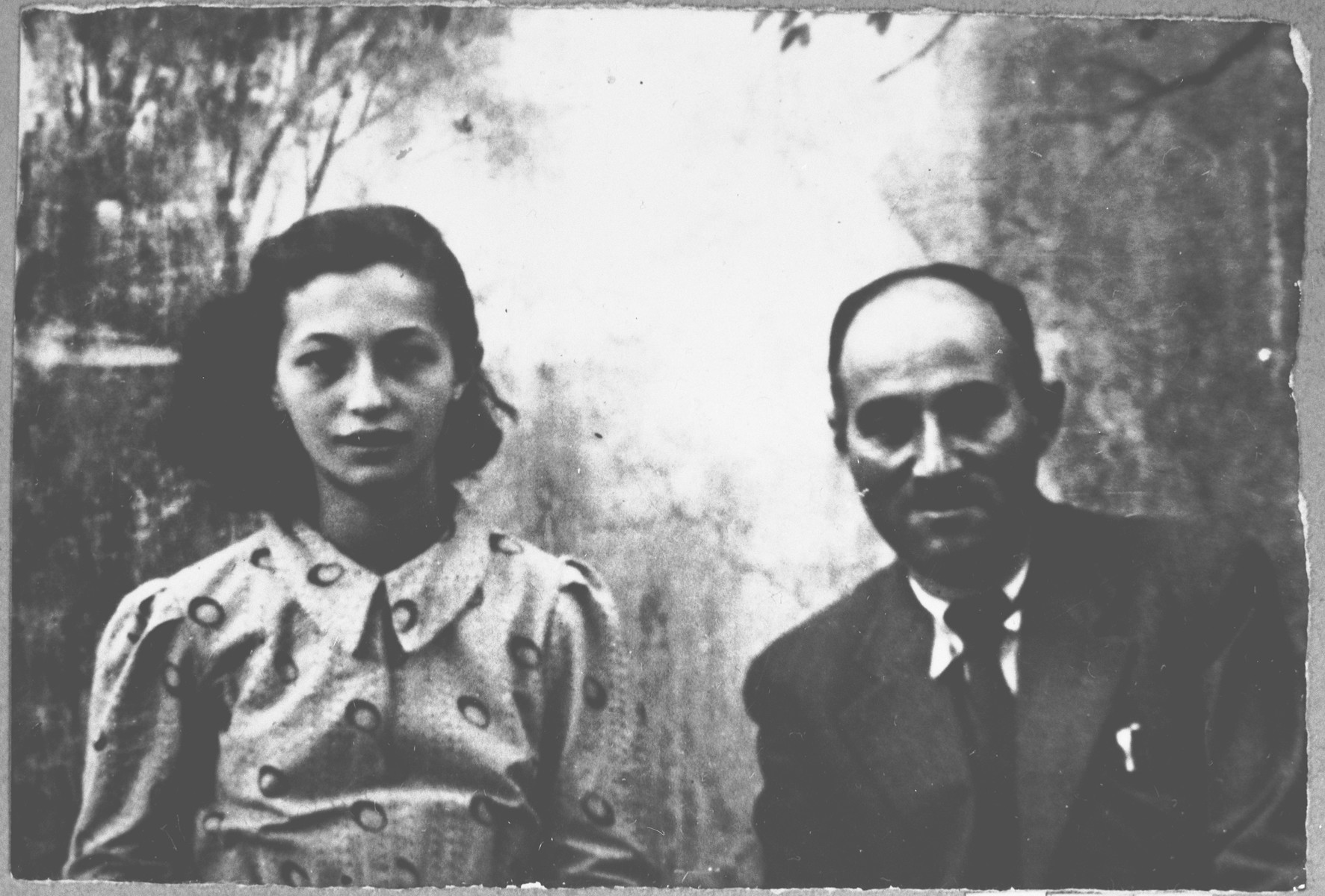 Portrait of Avram Kamchi and his daughter, Palomba.  Avram was a manufacturer and Palomba, a student.  They lived at Dalmatinska 57 in Bitola.