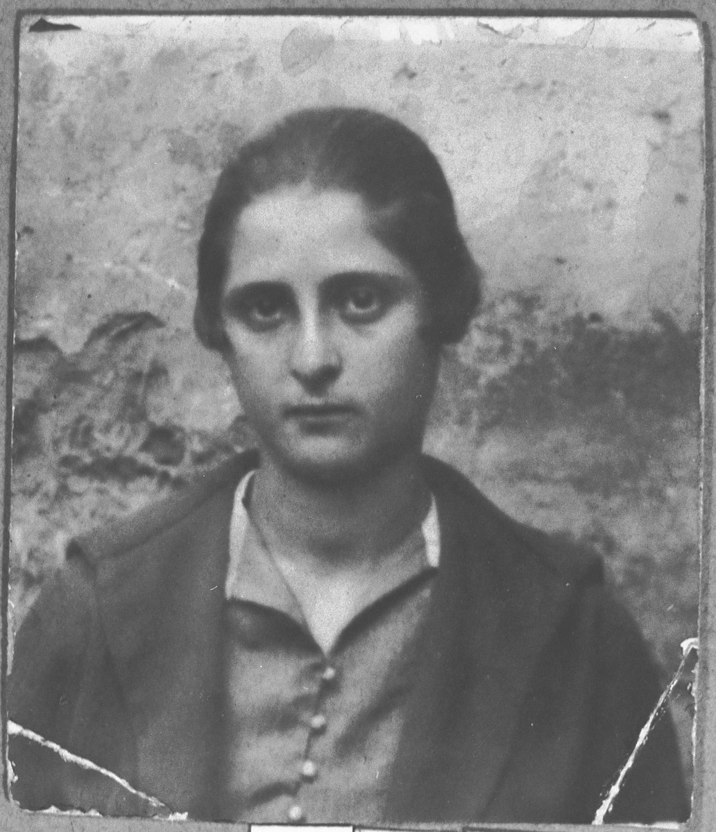 Portrait of Rashel Kamchi (from Zagreg). (patronymic: Bentsion).