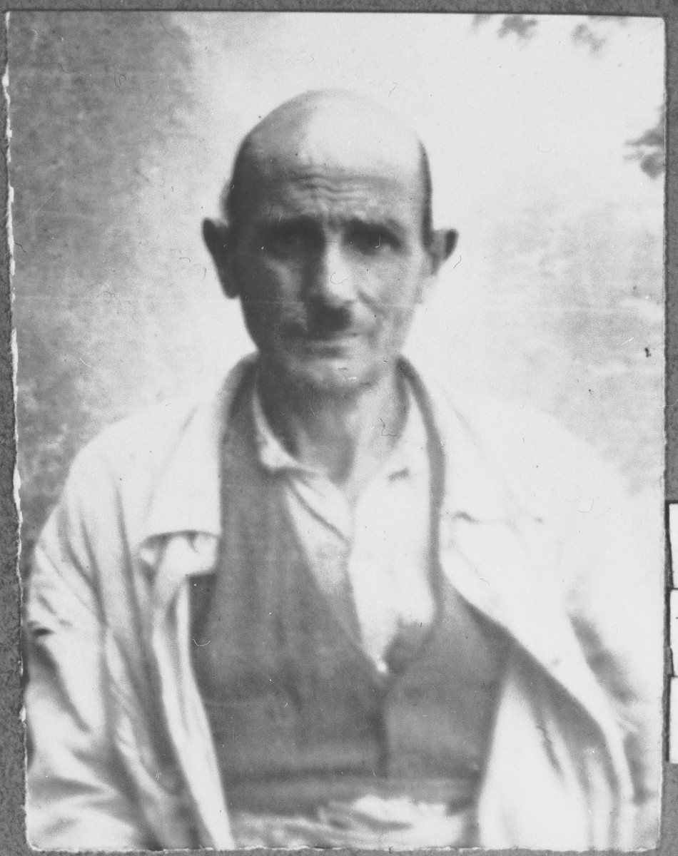 Portrait of Yosef Kamchi, son of Samuel Kamchi.  He was a porter.  He lived at Krstitsa 7 in Bitola.