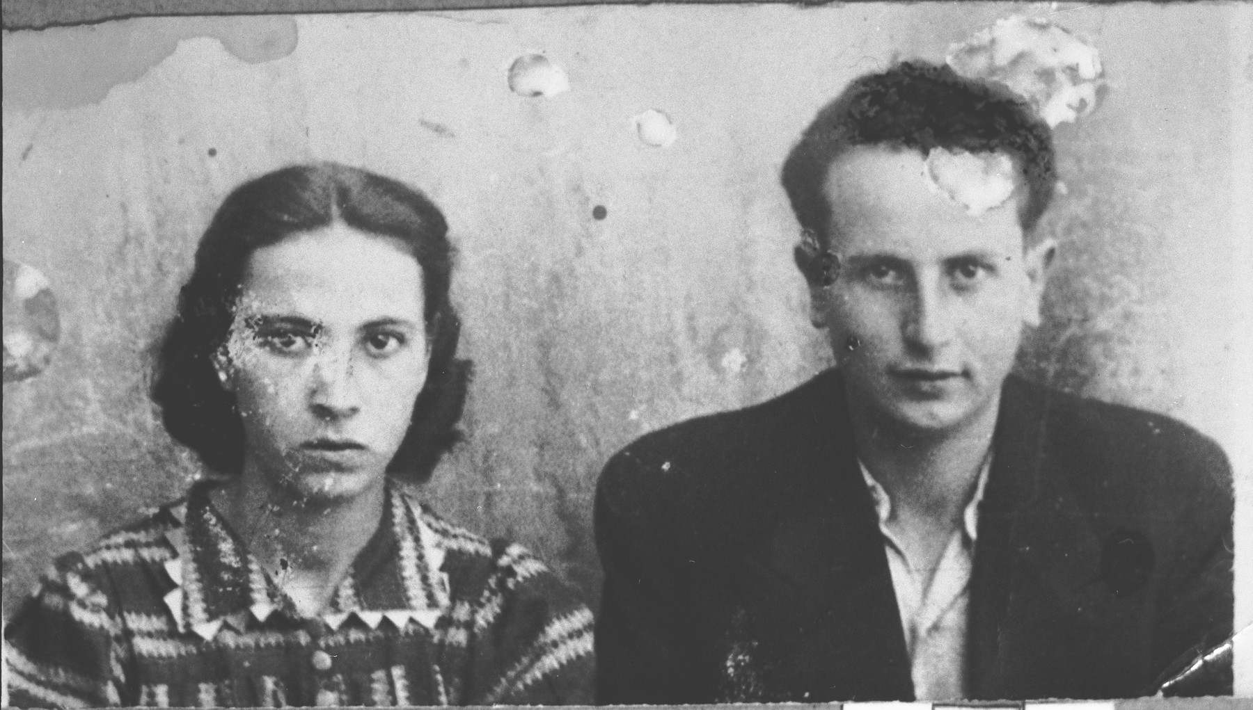 Portrait of Todoros Kamchi, son of Isak Kamchi, and Vida Kamchi, daughter of Isak Kamchi.  They were students.  They lived at Drinska 79 in Bitola.