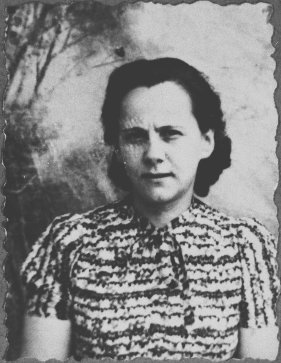 Portrait of Malka Kamchi, wife of David Kamchi.  She was a seamstress.  She lived at Krstitsa 15 in Bitola.