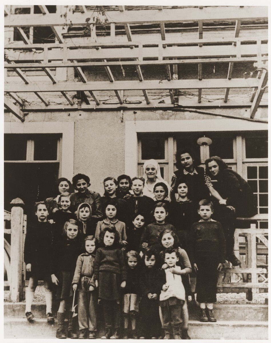 Group portrait of Jewish DP girls living at a children's home in Fublaines under the auspices of Rescue Children, Inc.  Renate Guttmann is pictured fourth from the right in the front.