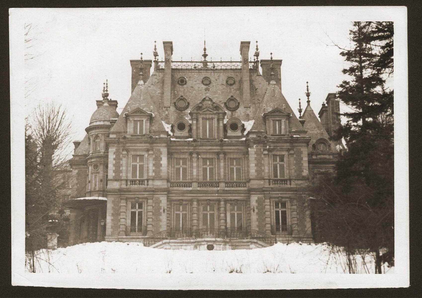 View of Château de Boucicaut, the OSE (Oeuvre de Secours aux Enfants) children's home at Fontenay aux Roses.