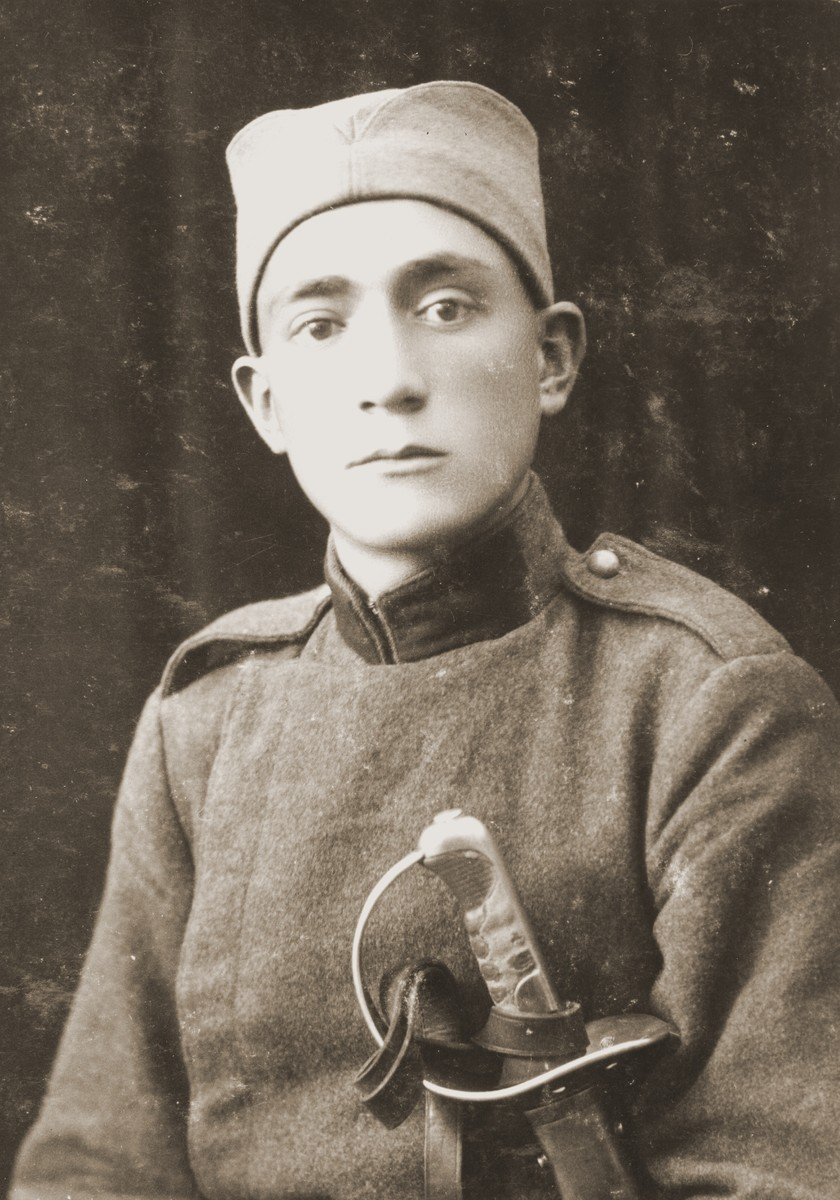 Portrait of a Macedonian Jew in military uniform.