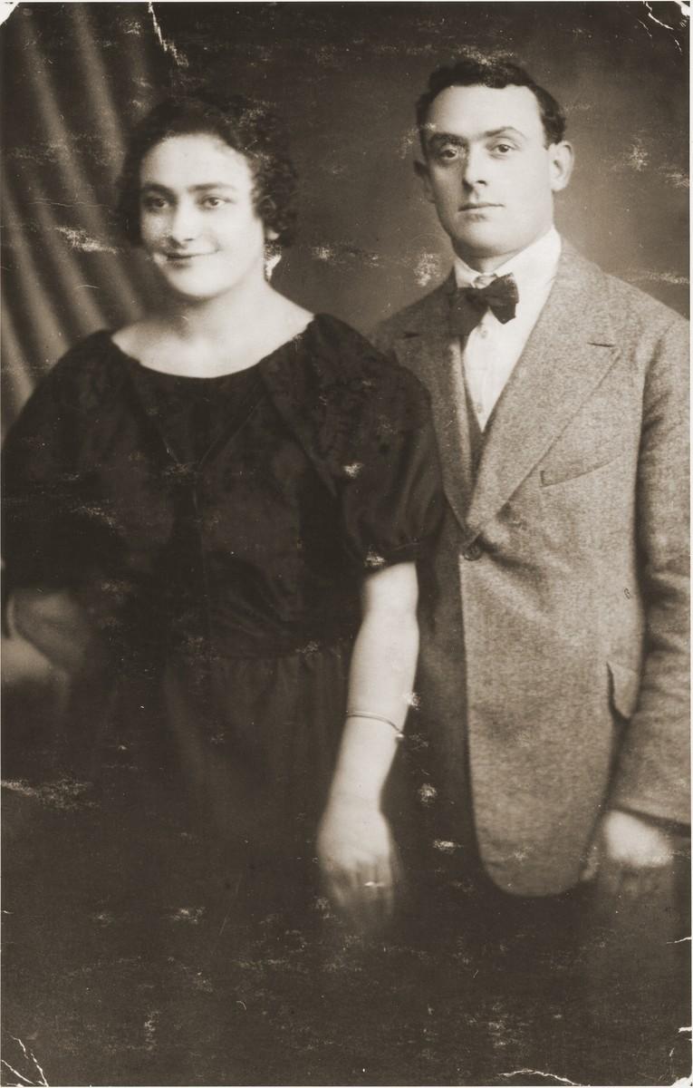Engagement photo of Yaakov Marcus and Cyla Danishevska.