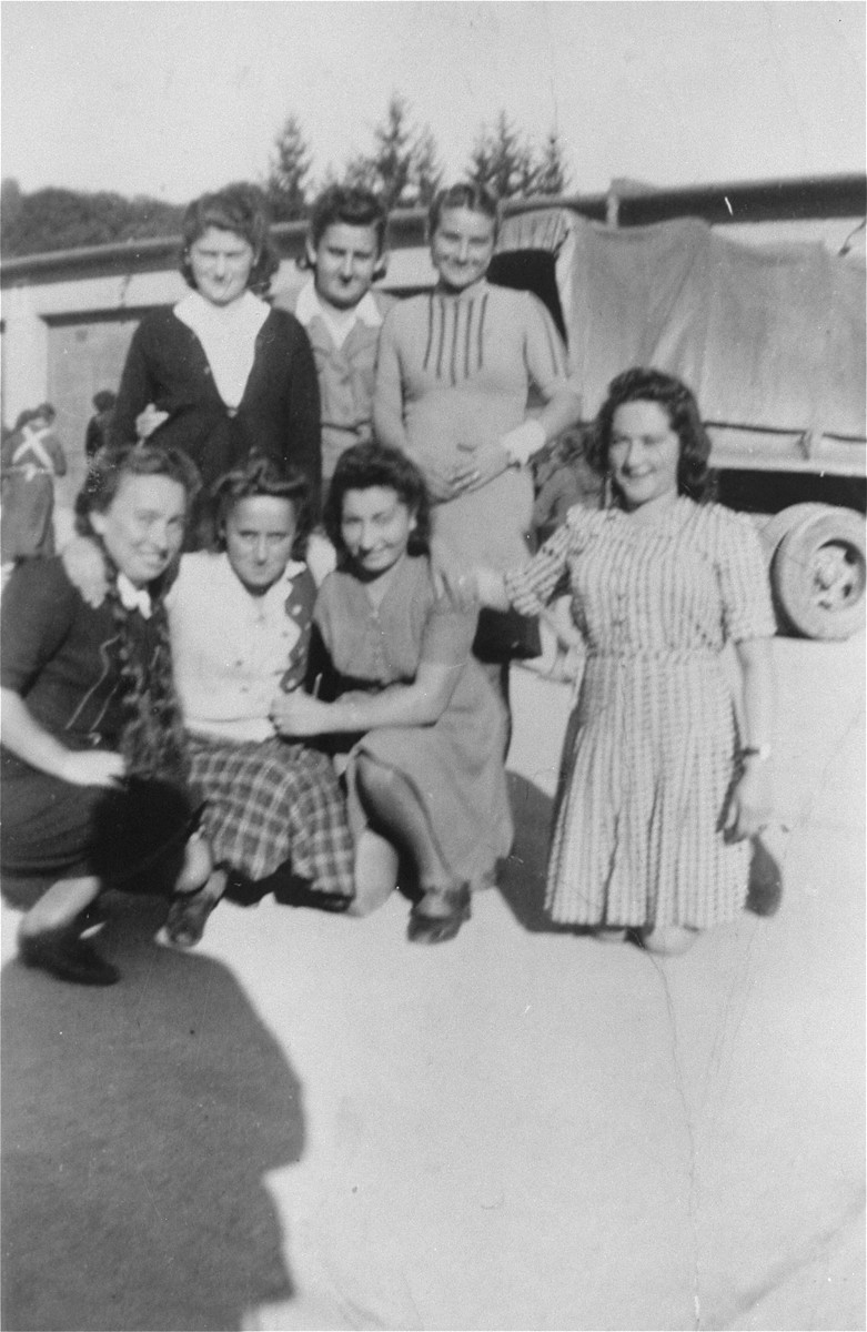 Group portrait of young Jewish women at a displaced persons camp in Salzburg.    Among those pictured are: Pola Herskovicz (first row, far left), Ester Himmelfarb (second row, far left) and Hadasa Werdygier (first row, far right).