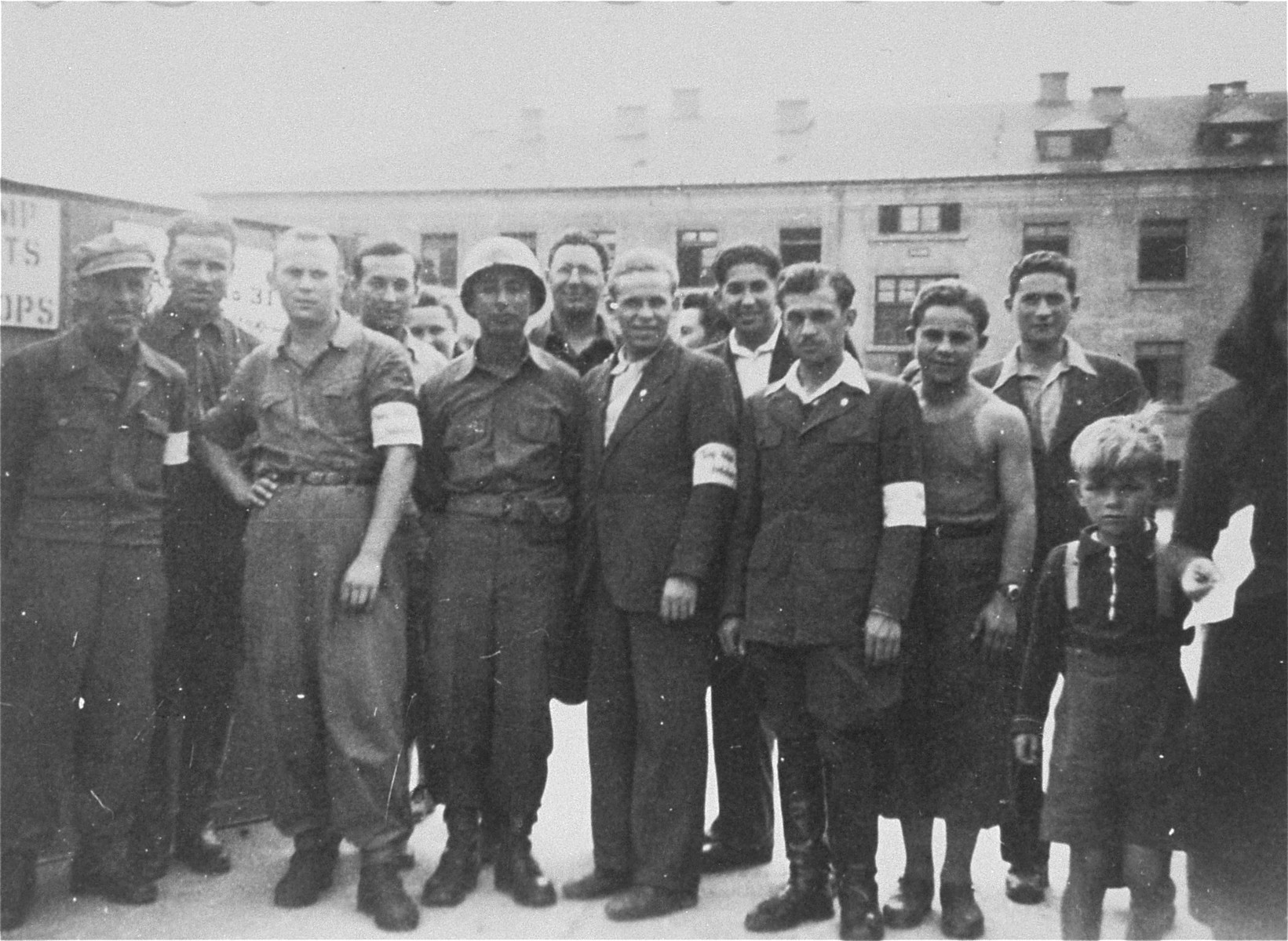 Group portrait of Jewish DPs at the New Palestine displaced persons camp.