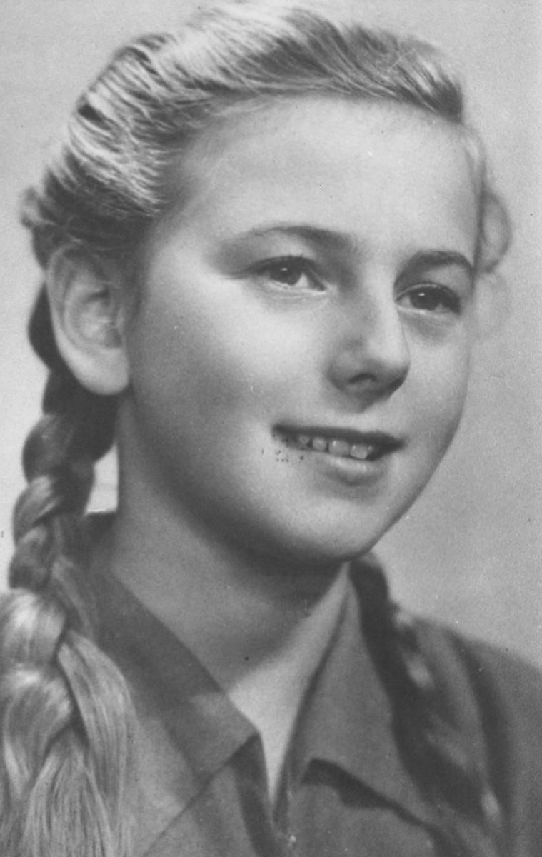 Portrait of nine-year-old Gustava Singer, alias Krystina Antoszkiewicz.