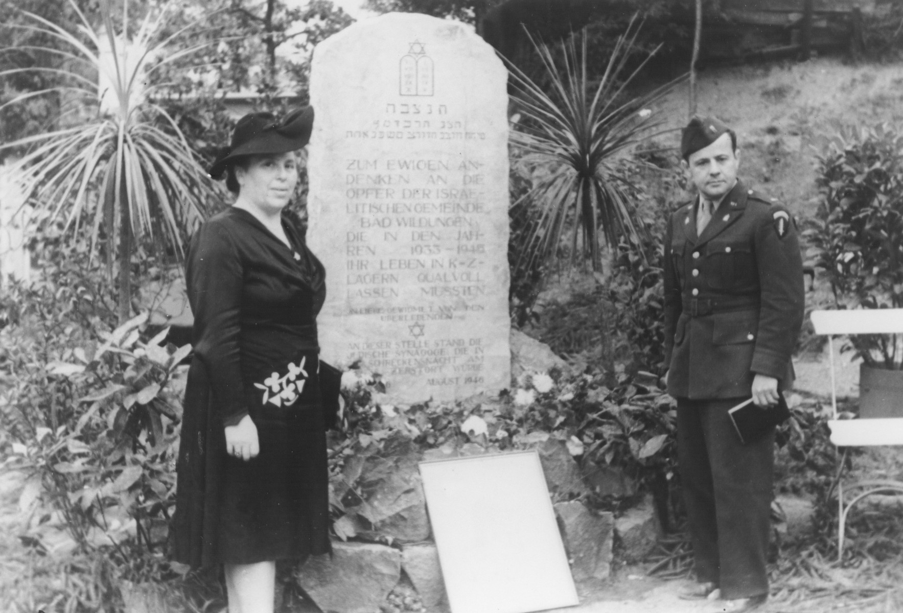 A memorial stone to the Jewish victims of Nazism from Bad Wildungen is unveiled at a ceremony.    The stone was erected on the site of the former synagogue that was destroyed on Kristallnacht.