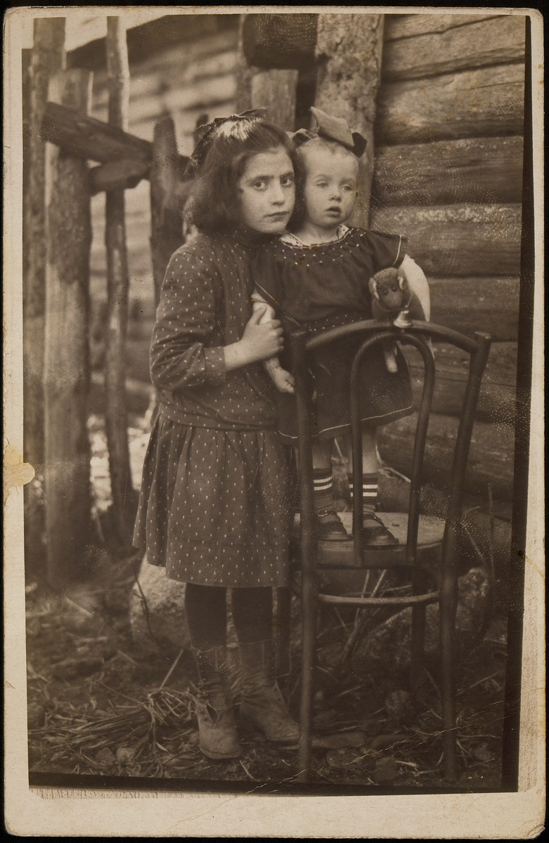 Sisters Beila and Miriam (Mirka) Koppelman in their backyard.   Mirka died in 1940. Beila was murdered by members of the Polish Home Army.
