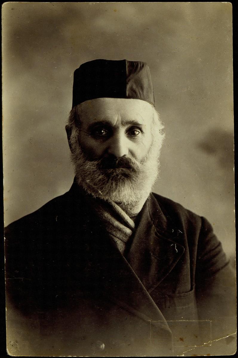 Portrait of Reb Shlomo Zlotnik of Eisiskes.   Reb Shlomo Zlotnik was killed by the Germans during the September 1941 mass shooting action in Eisiskes.