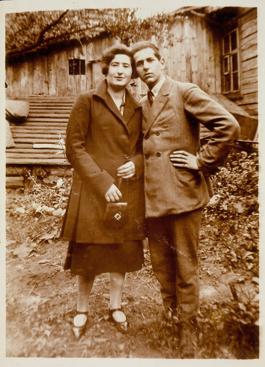 Two cousins pose together in a garden outside their home in Eisiskes.    Liebke Moszczenik Kabacznik (left) was murdered with her family by the Polish Home Army.  The fate of her cousin is unknown.