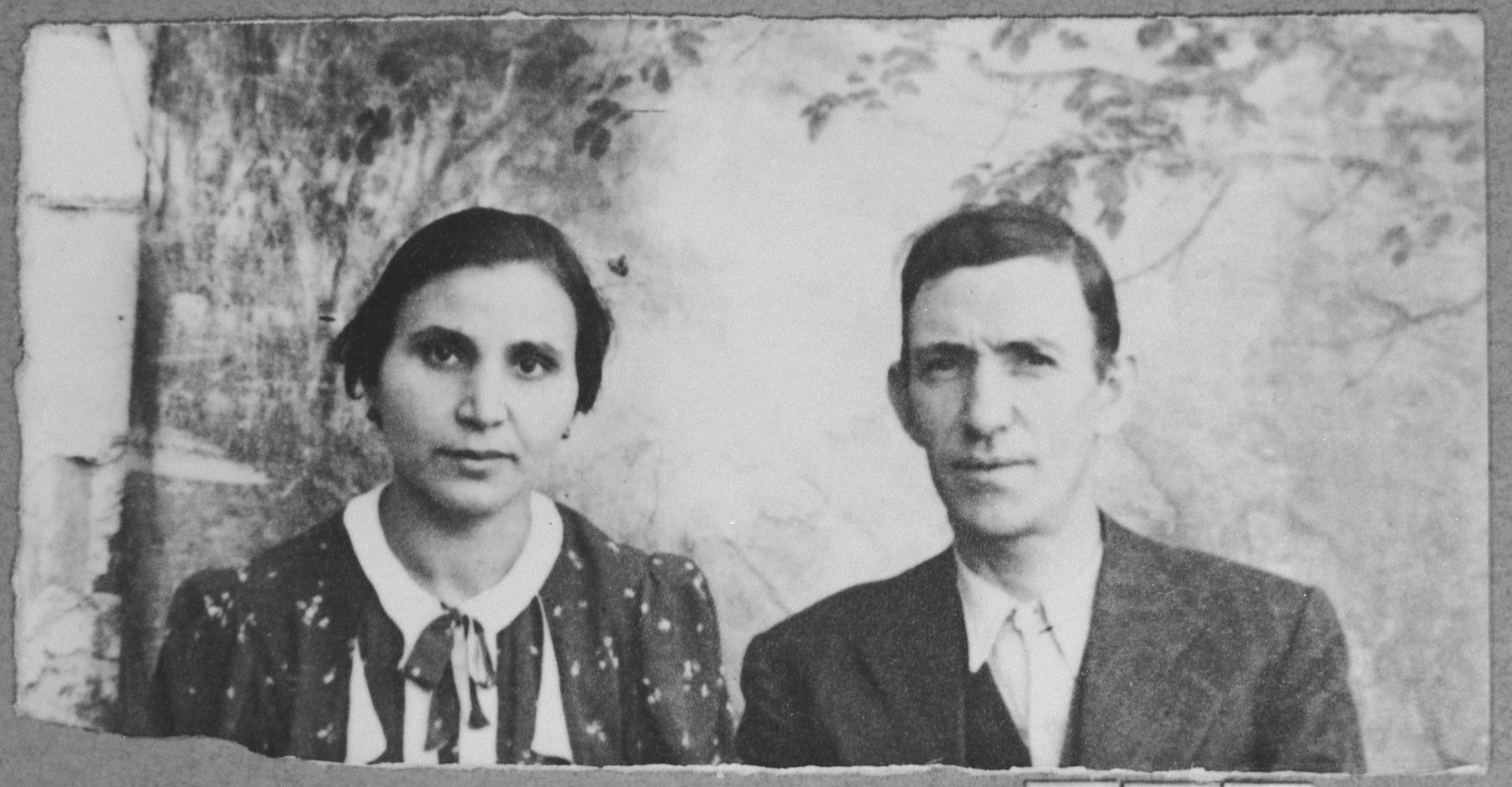 Portrait of Jack Testa, son of Mordechai Testa, and Jack's wife, Louisa.  Jack was a carpenter.  They lived at Sremska 24 in Bitola.