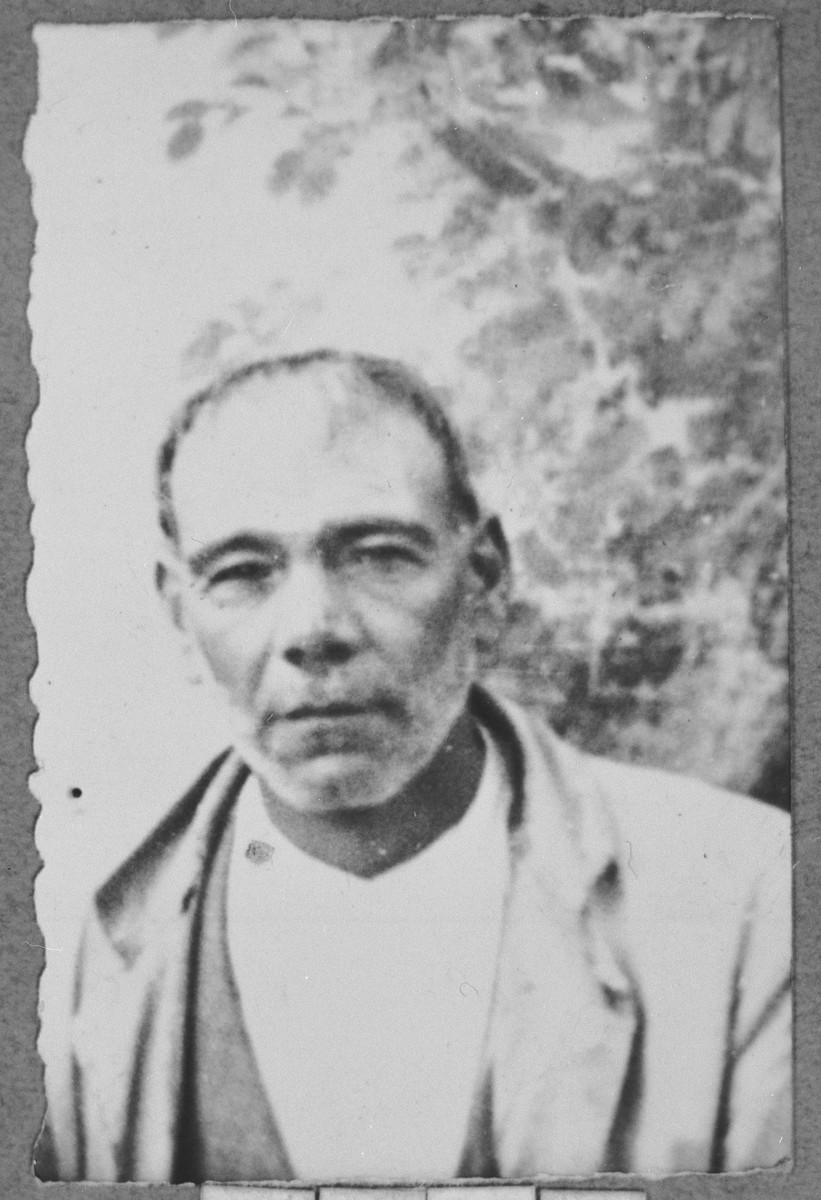 Portrait of Avram Hasson, son of Yakov Hasson.  He was a day laborer.  He lived at Krstitsa 1 in Bitola.