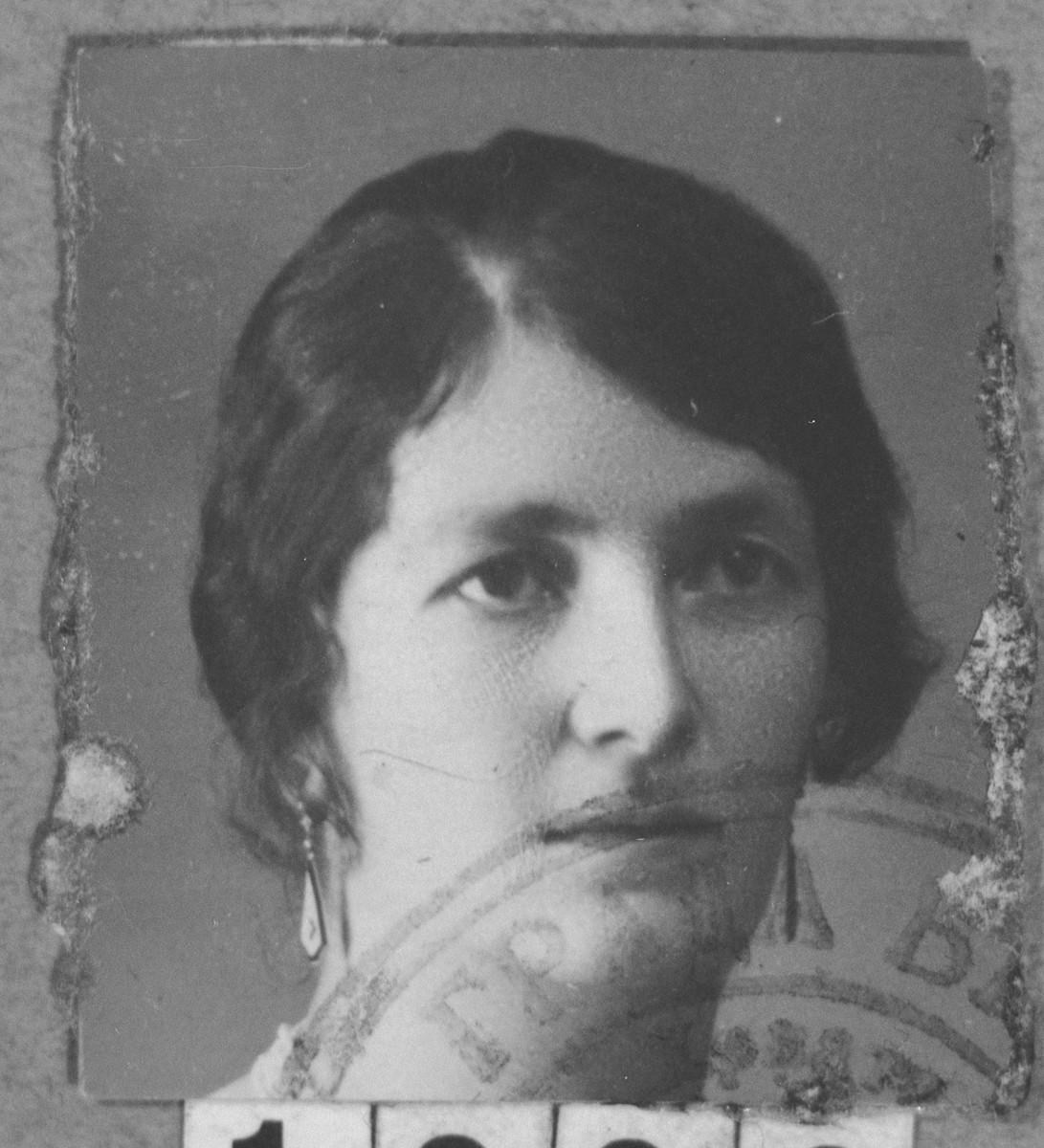 Portrait of Oro (Nehama) Franko.  She lived at Roosevelt 16 in Bitola.