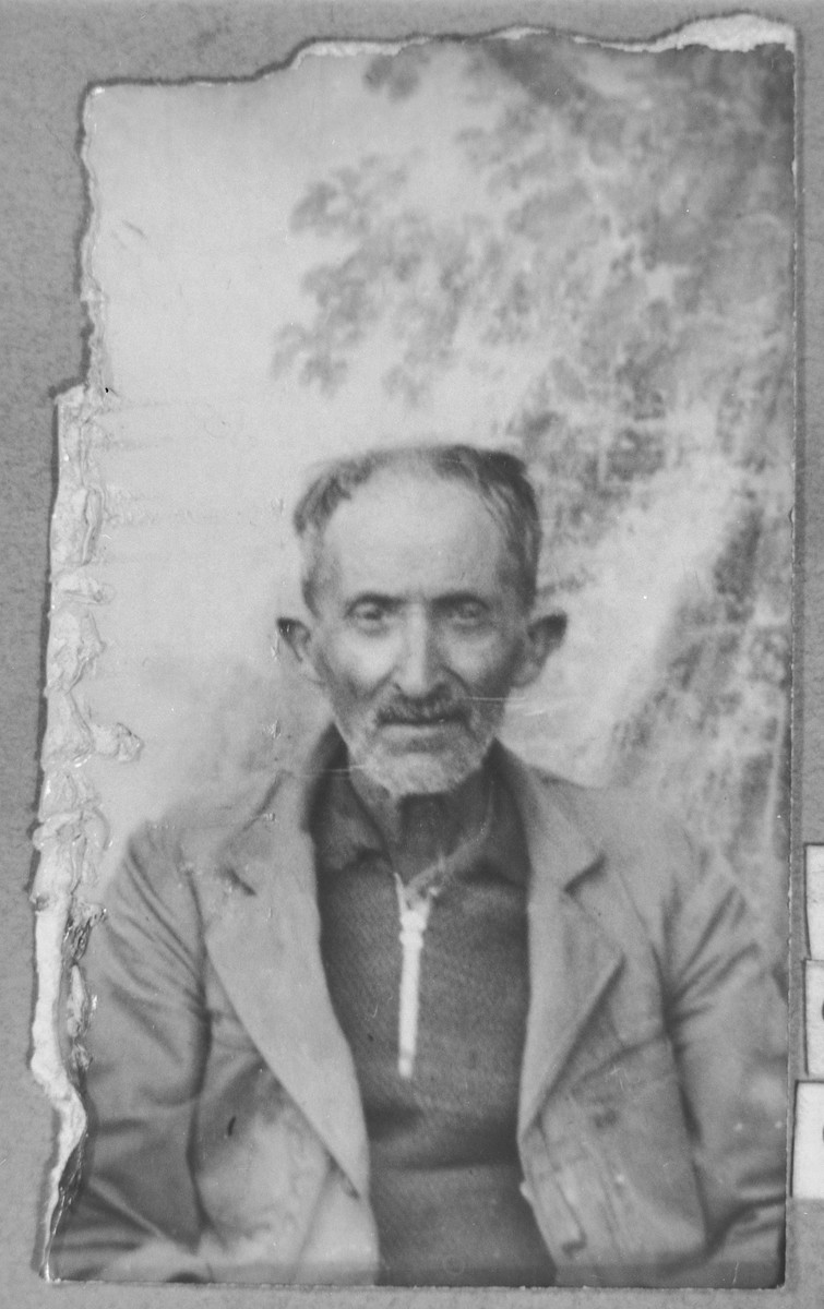 Portrait of Shua Testa.  He was a second-hand dealer.  He lived at Yakchutseva 22 in Bitola.